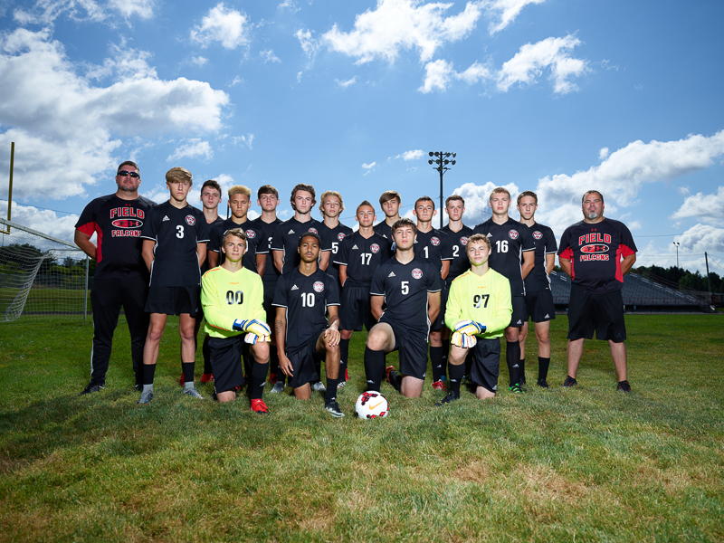 2017-2018 FHS Varsity Soccer Team Photo