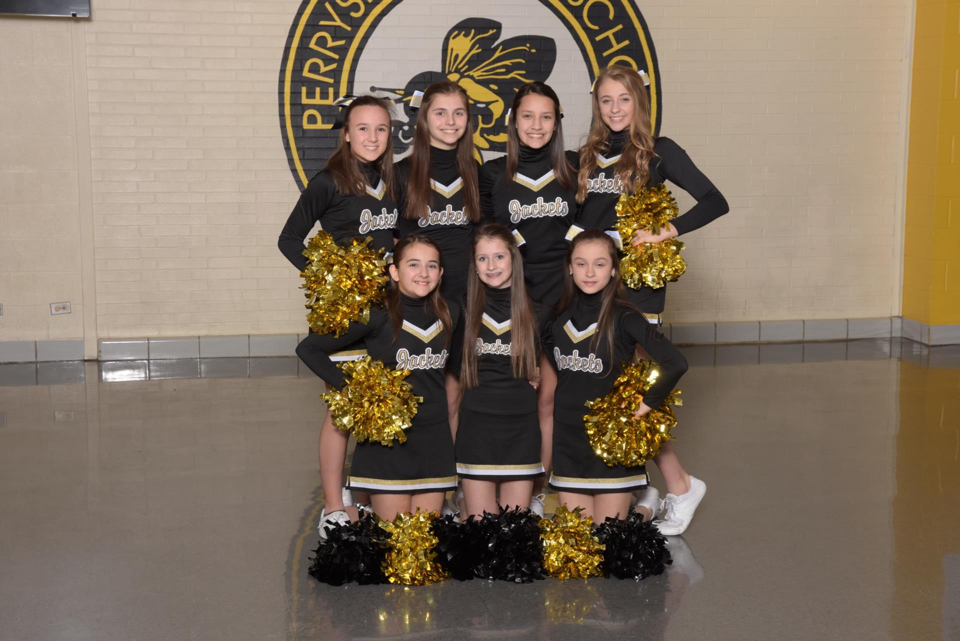 2017 8th grade basketball cheerleaders