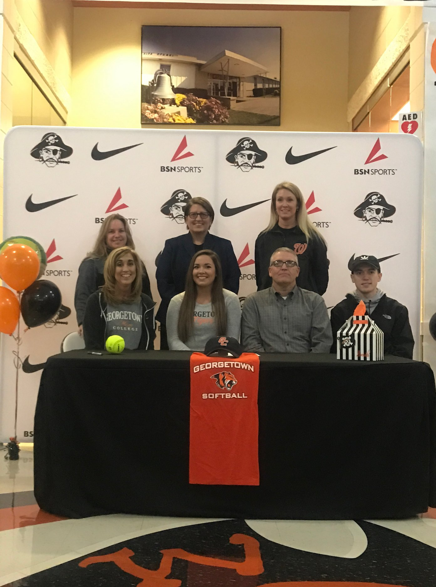 Sarah Claxon signing with Georgetown