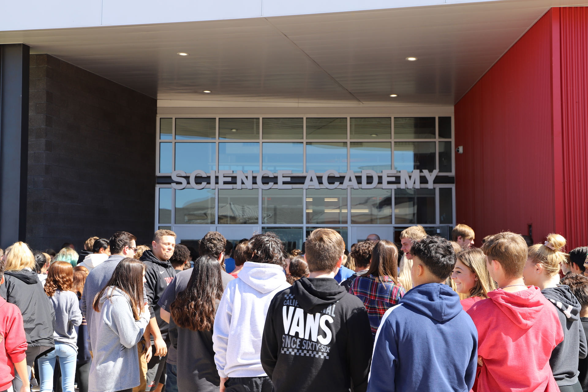 Students enter the new 27,385sf Mustang High School Science Academy