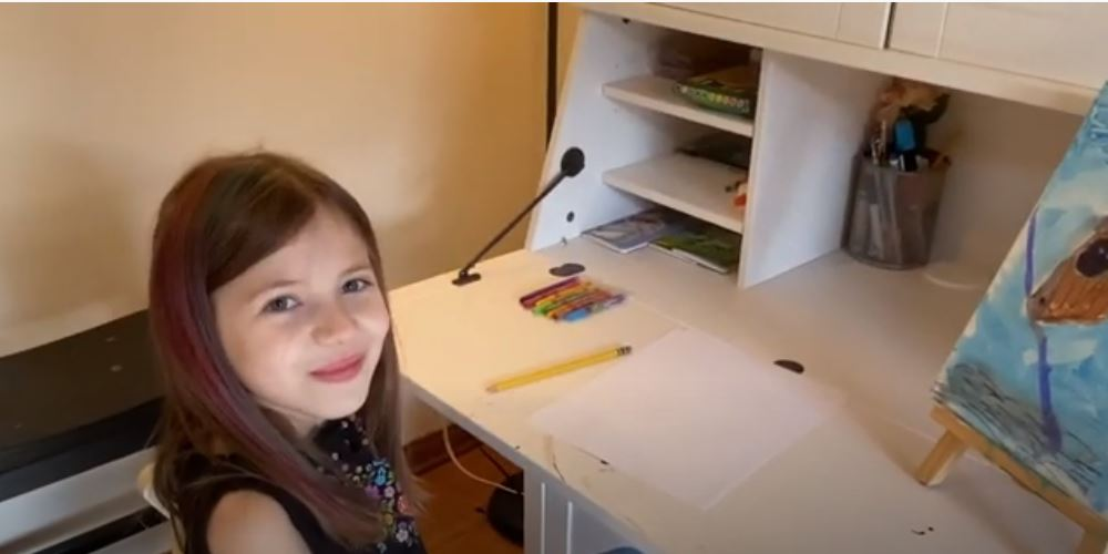 Dagny Ferguson shows how to draw a flower
