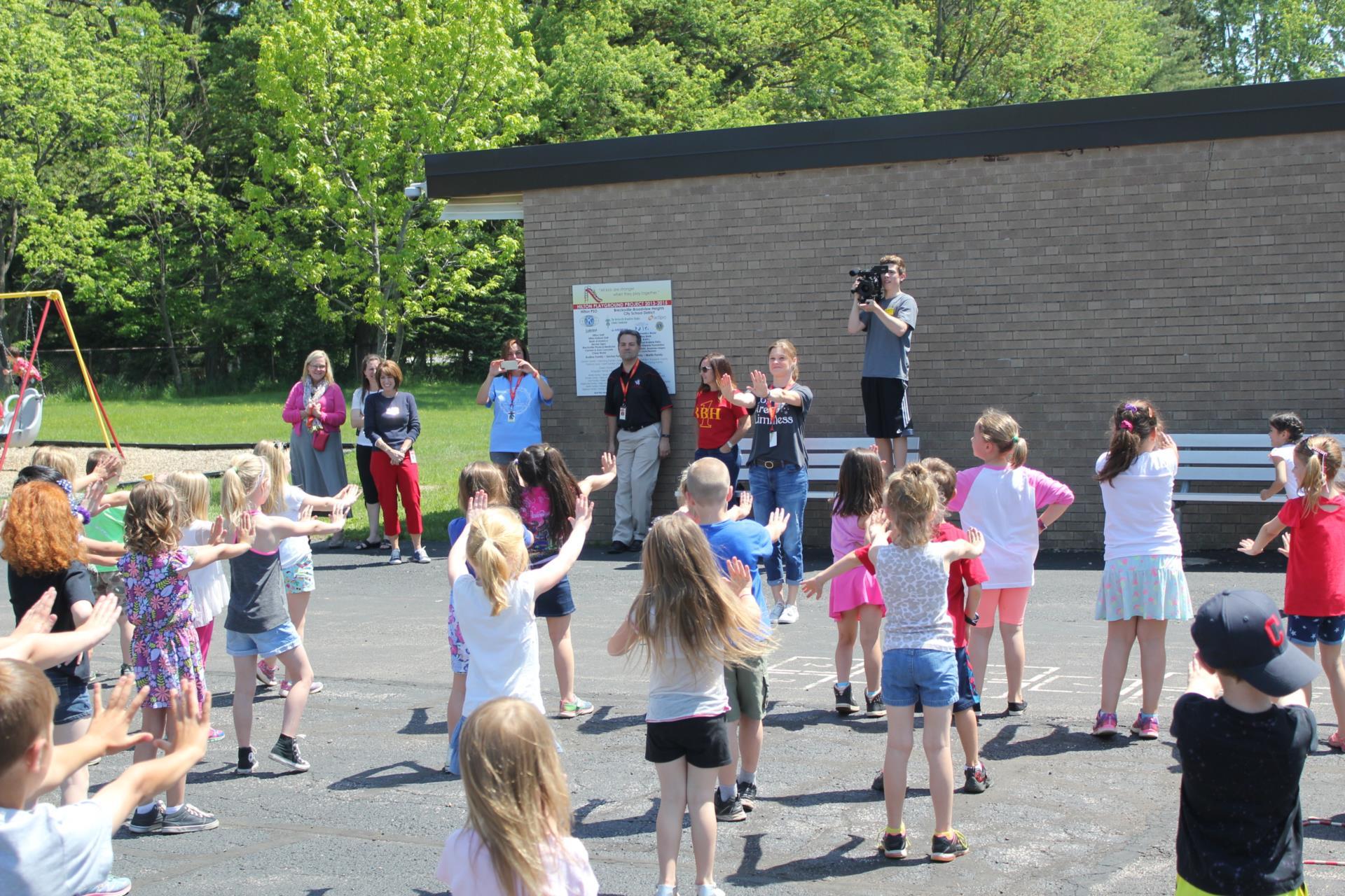 Hilton First Grade Flash Mob