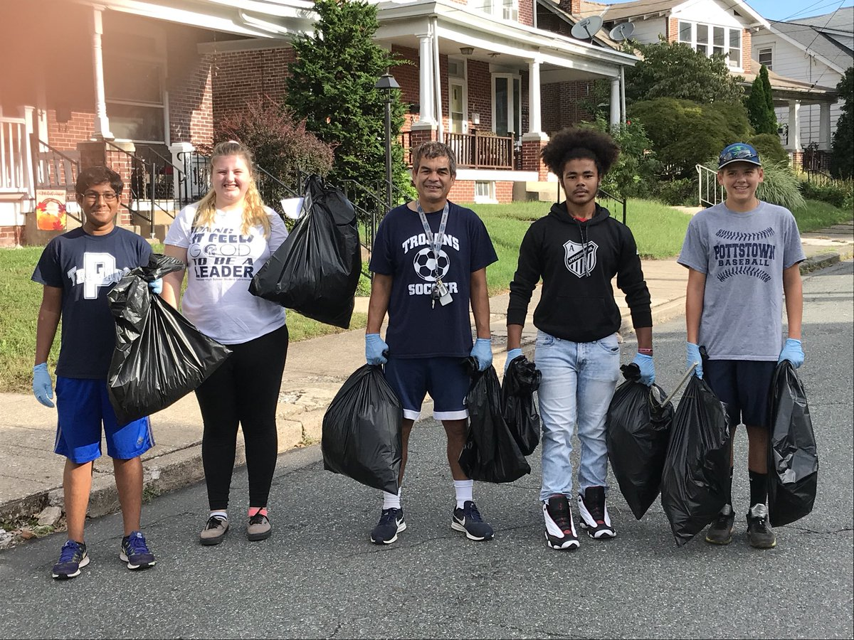 Soccer Players cleanup Pottstown